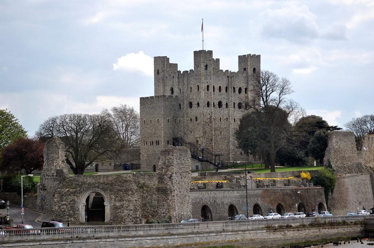 Замок Рочестер в Англии- тысячелетний страж великой истории
