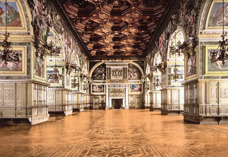 Дворец Фонтенбло, Франция