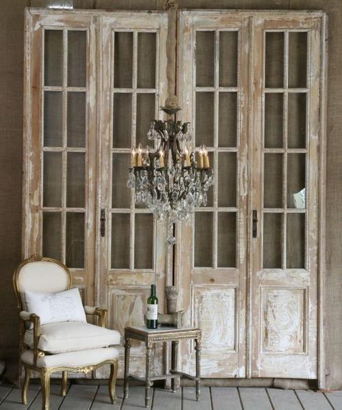 Разнообразие старинных межкомнатных дверей